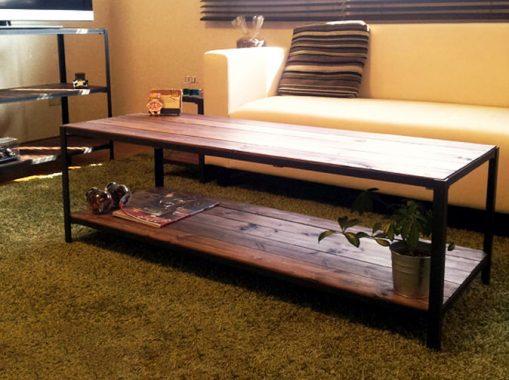 シンプルなアイアンフレームローテーブル