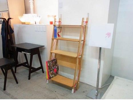 5段の木製ラダー