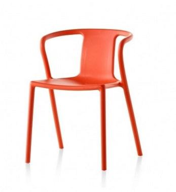 巨匠デザインの椅子