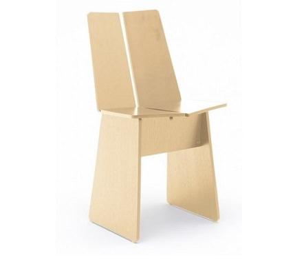板で構成された椅子