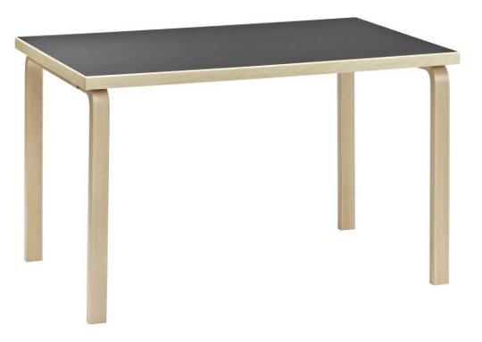 バーチ無垢材を使ったテーブル