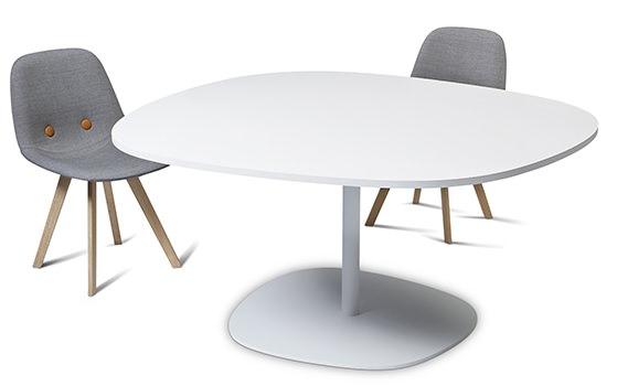 有機的な北欧テーブル