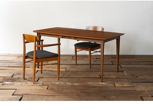ヴィンテージテイストな2人用テーブル