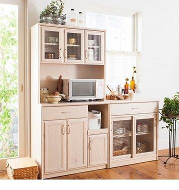 シャビーシックな食器棚
