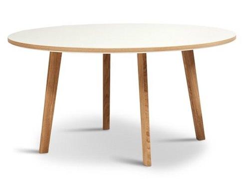 リノリウムの北欧テーブル