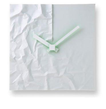 皺を活かしたデザイン時計