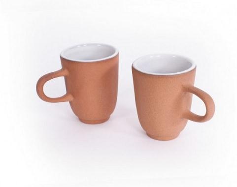 素朴なマグカップ